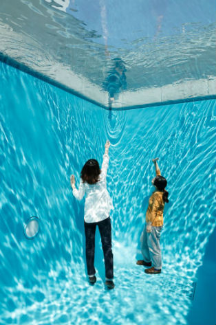 The Swimming Pool 2004 Concrete Glass Water 280 X 402 697 Cm Collection 21st Century Museum Of Contemporary Art Kanazawa Photo Kioku Keizo