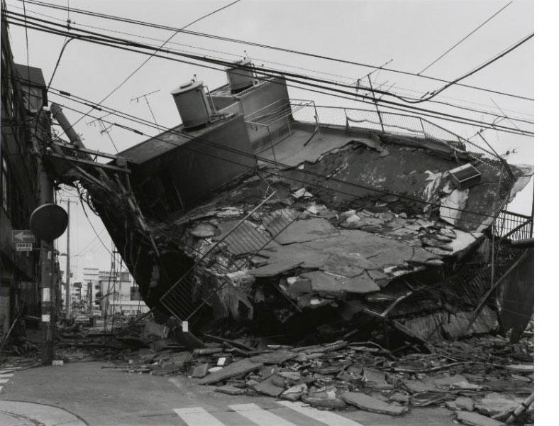 宮本隆司《KOBE 1995 After the Earthquake―神戸市長田区》1995年