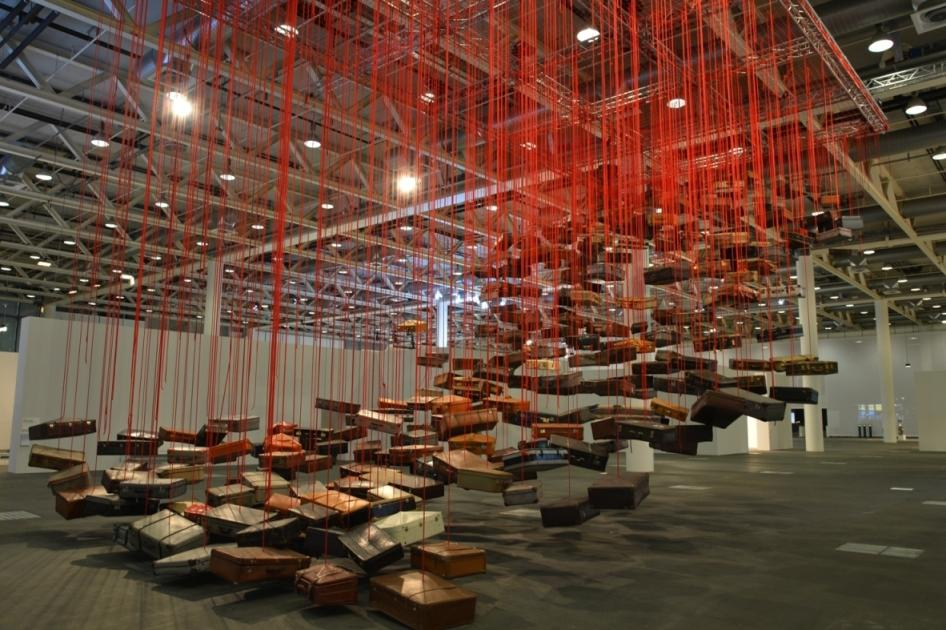 Shiota Chiharu Accumulation – Searching for the Destination